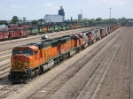 090511001 BNSF stored loco deadline at Northtown &quot;T&quot; Yard